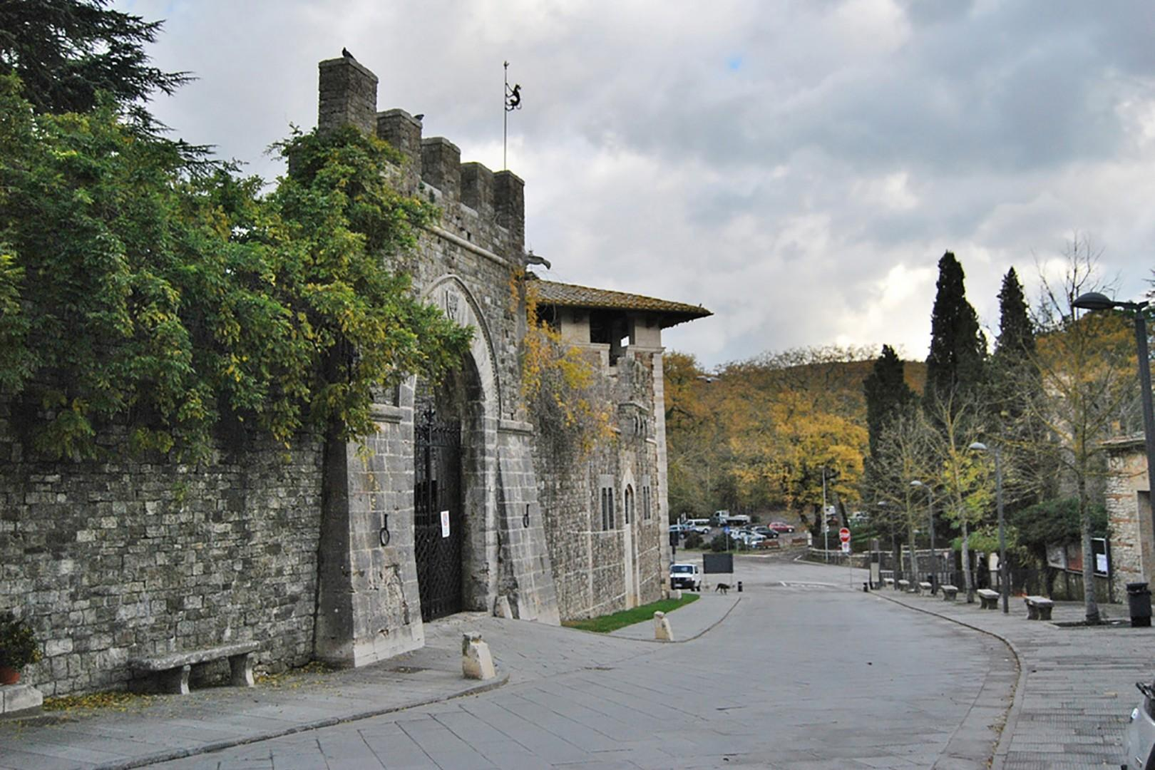 San Casciano dei Bagni is so convenient because it is just a 5-minute drive from the villa.