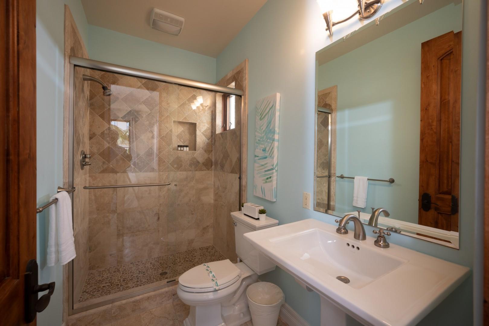 5556-Calumet-Ave-Airbnb-10