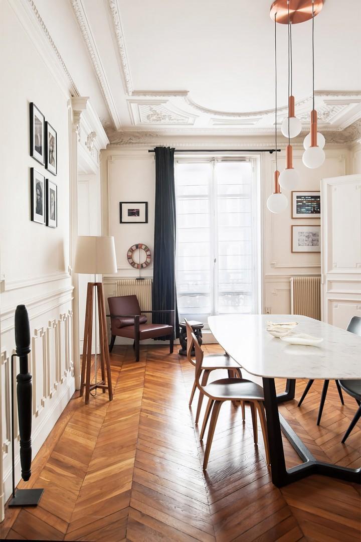 Light and bright dining room