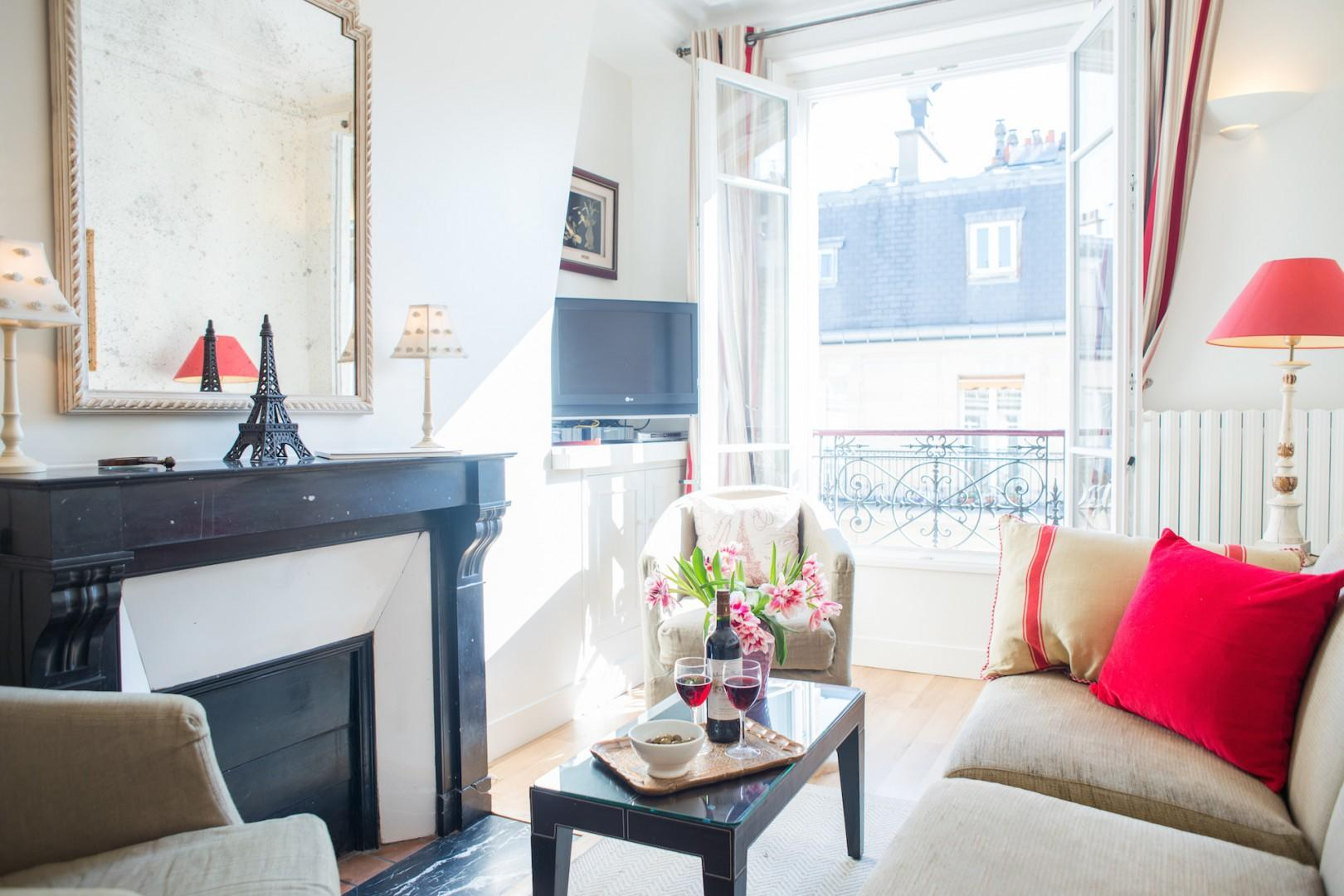 Enjoy the delightfully sunny space in the heart of Paris.