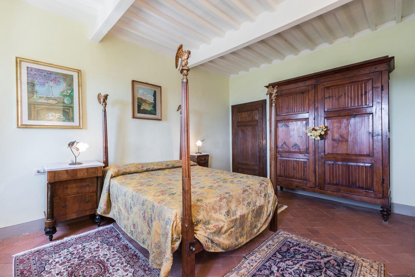 Bedroom 3 was used by the first king of Italy. En suite bathroom.