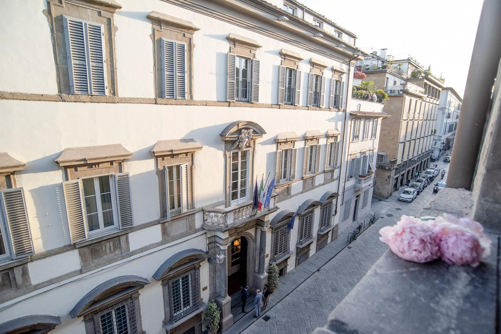 The large windows in the living room over look Via Ghibellina near Piazza Santa Croce.