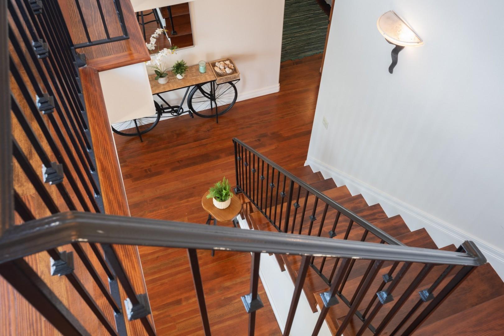 5556-Calumet-Ave-Airbnb-23