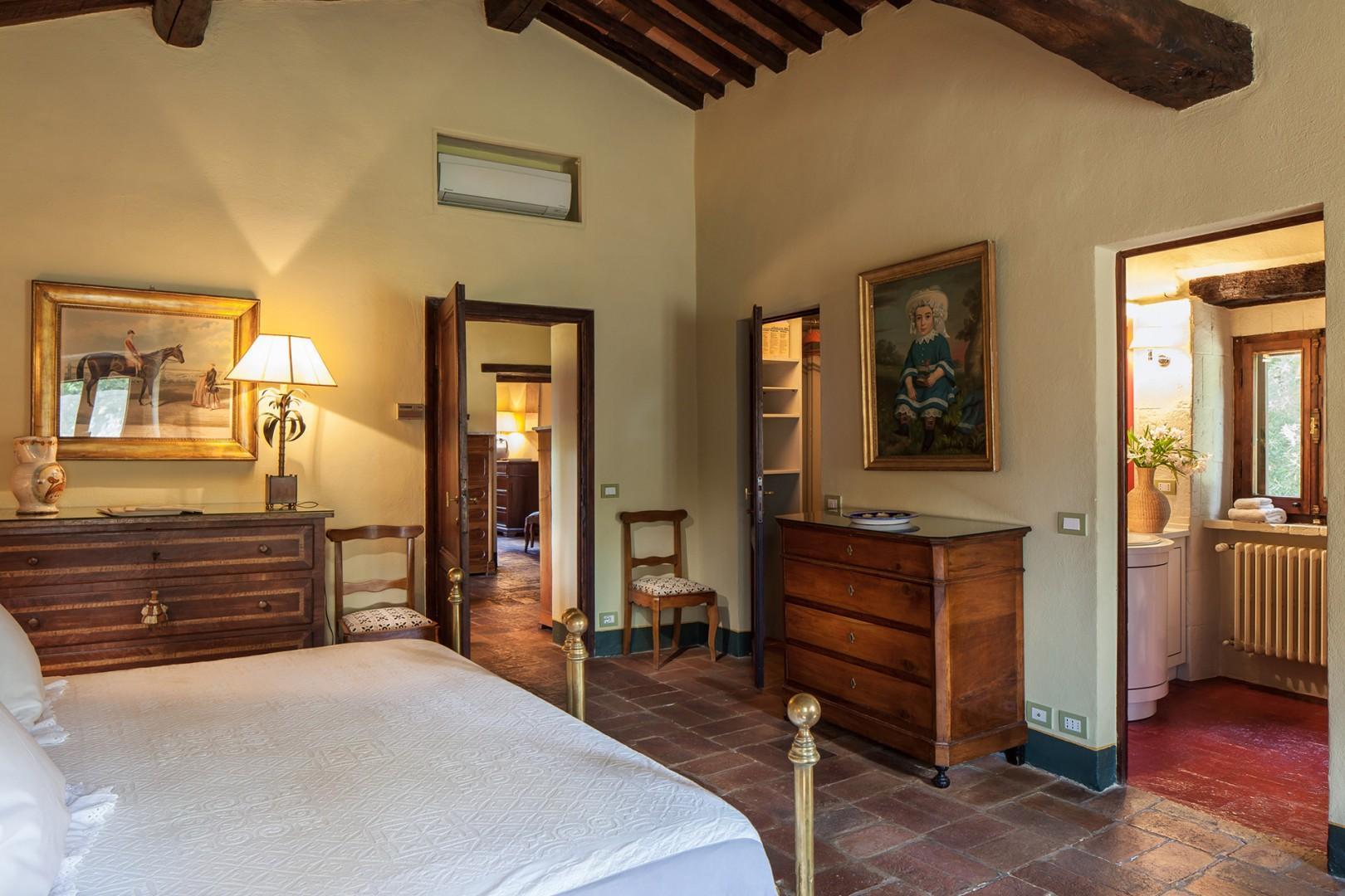 Bedroom 3 view towards en suite bathroom.