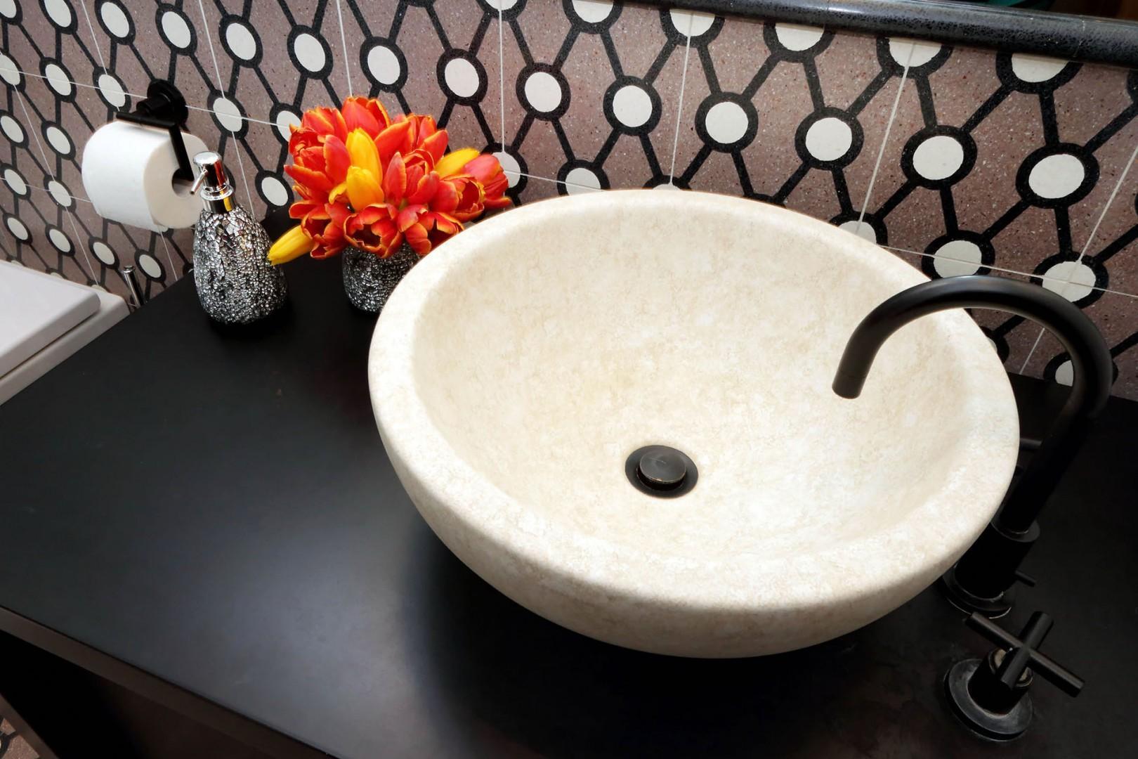 Detail of sink in bathroom 1.