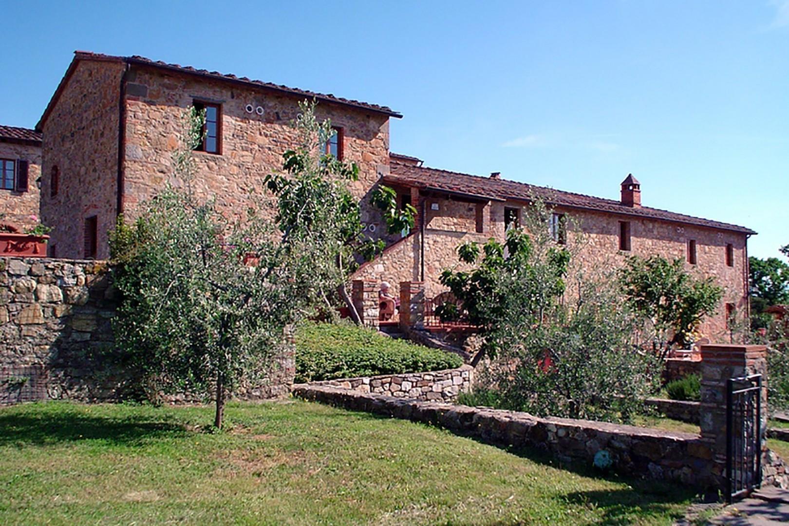 Bucine Cotogno has two terraces and a private garden area.