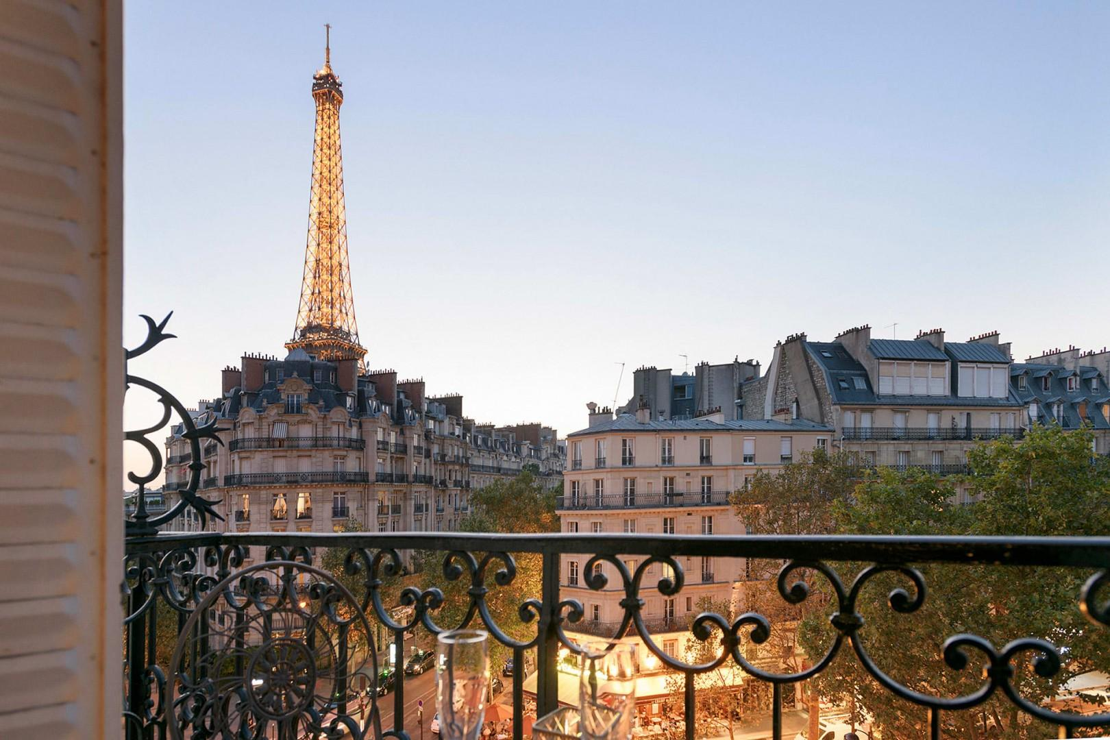 Watch the Eiffel Tower sparkle at night right from your balcony!