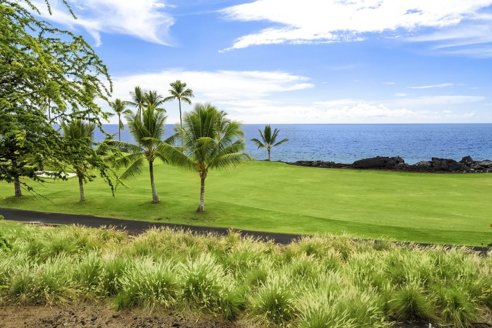 Take your shot at the Kona Country Club golf course!