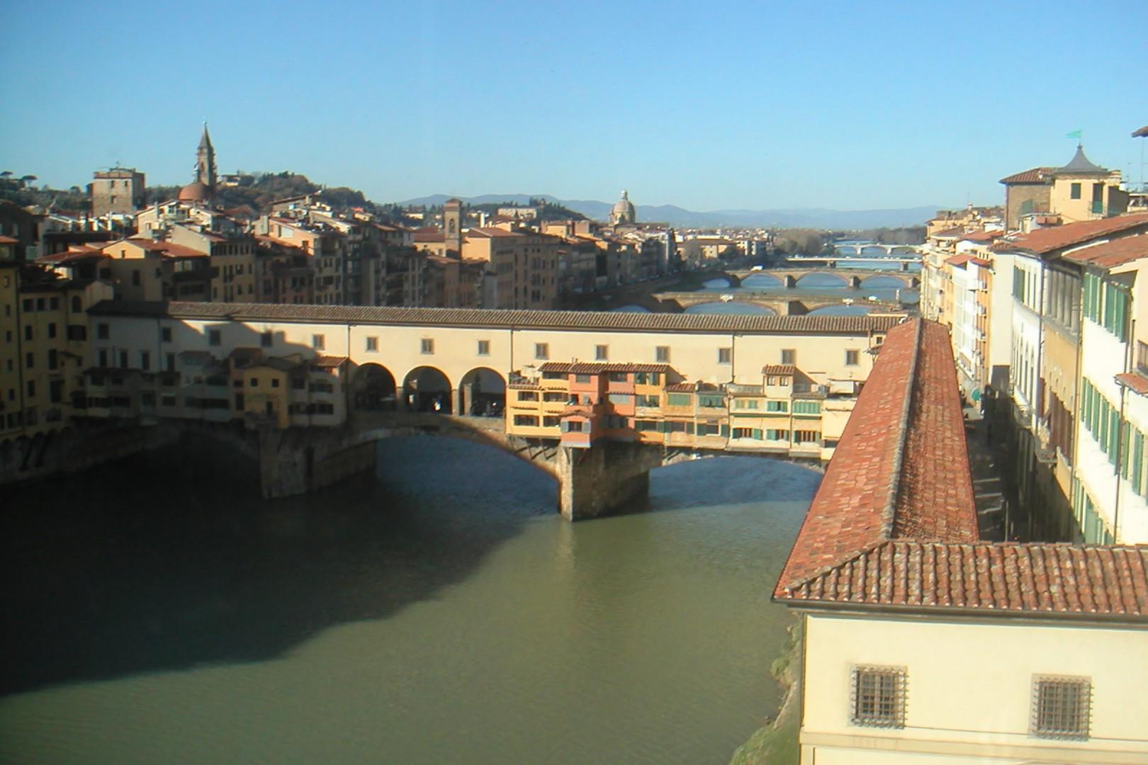 Another view of the picturesque Ponte Vecchio bridge near the Casetta.