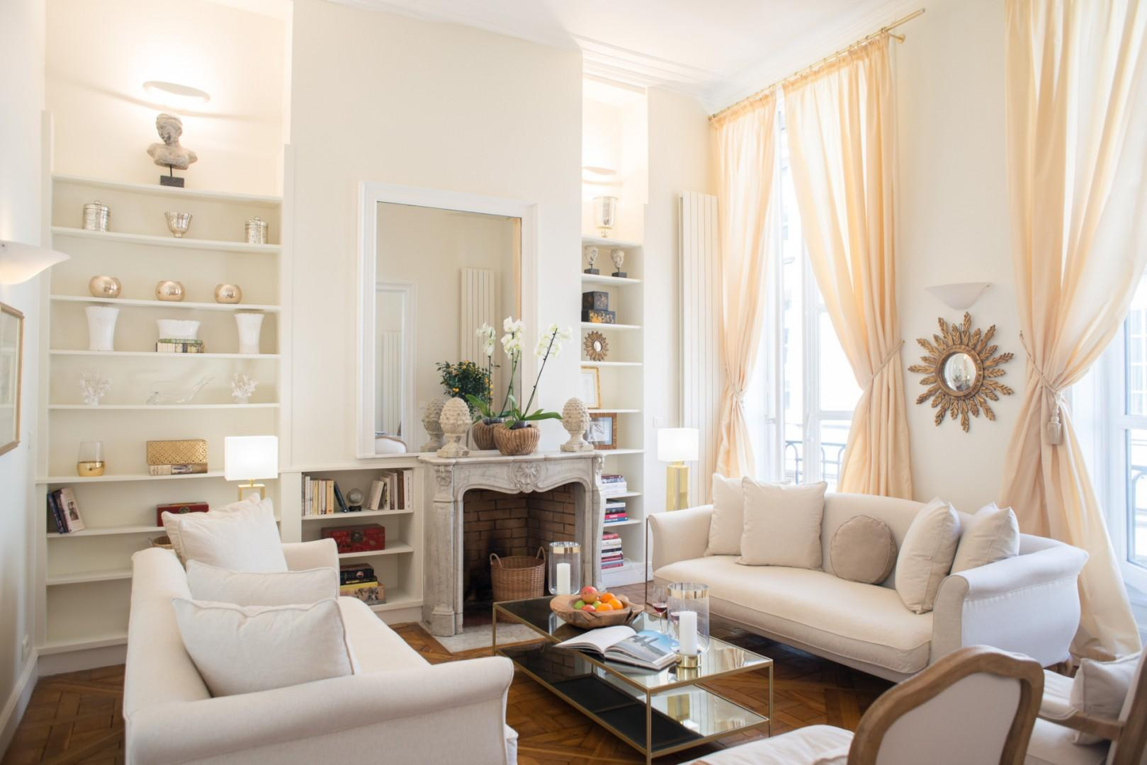 Welcome to the elegant and comfortable Clos Jolie apartment!