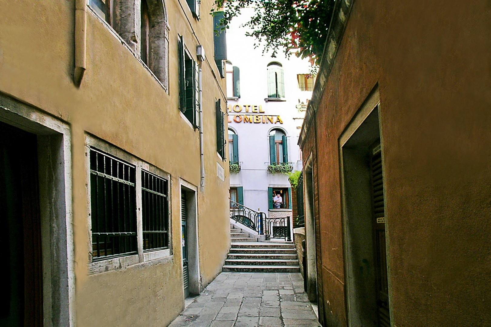 The neighborhood of Serenata is the prized, central St. Mark's district.