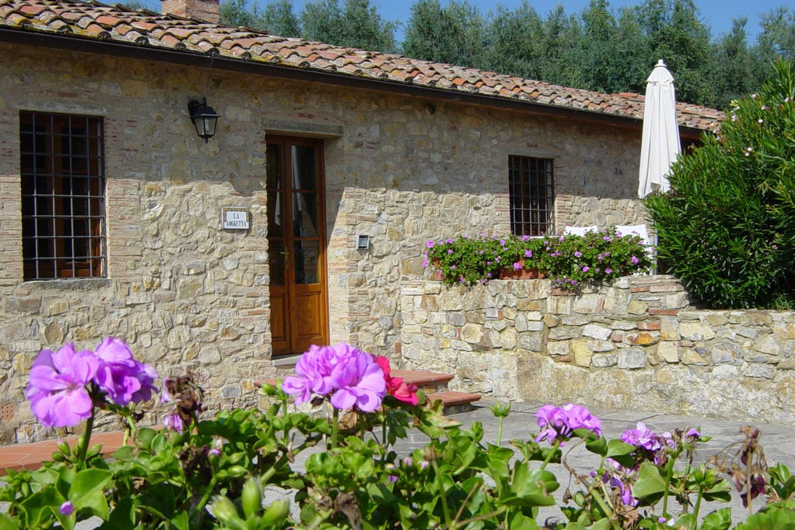 Loggetta is a cottage with one bedroom and one bath on two levels.