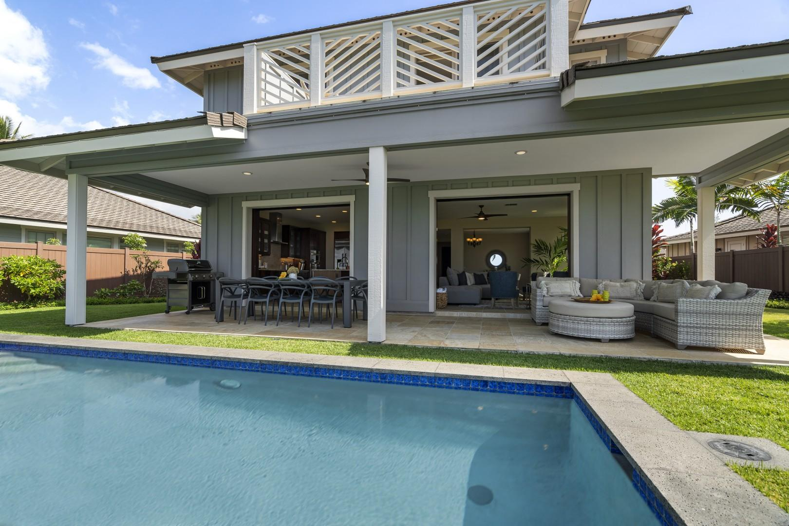 Showing the sheer size of the covered Lanai!