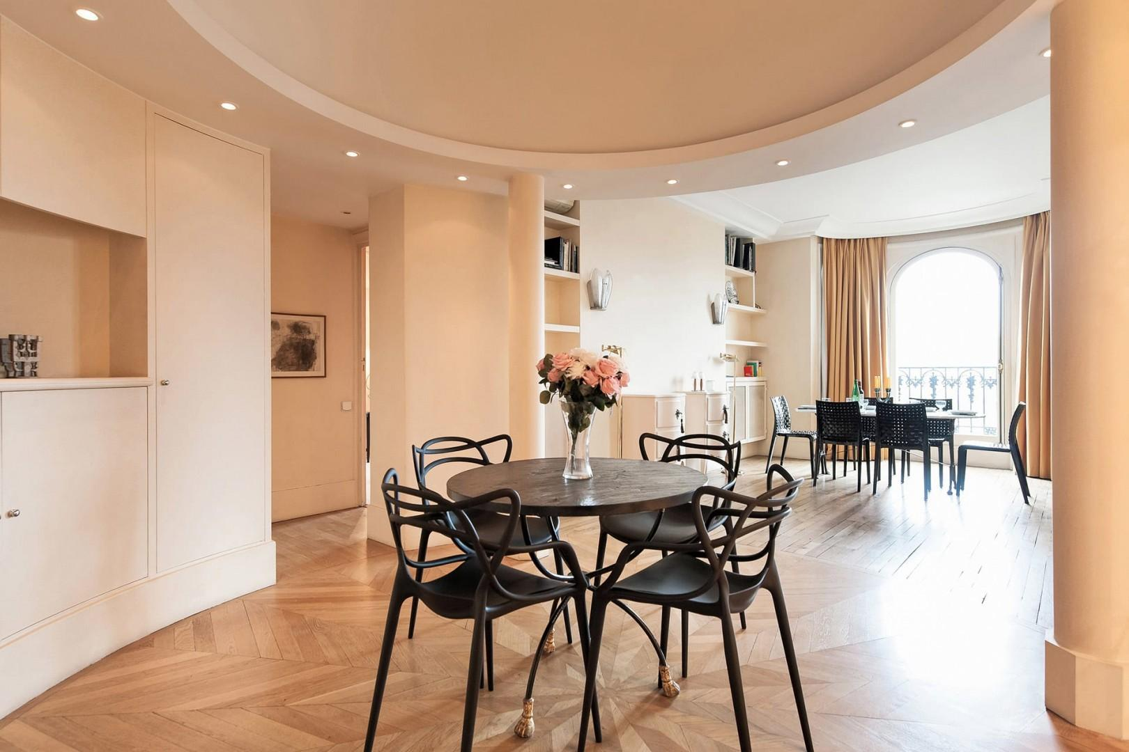 Additional dining area with beautiful chairs
