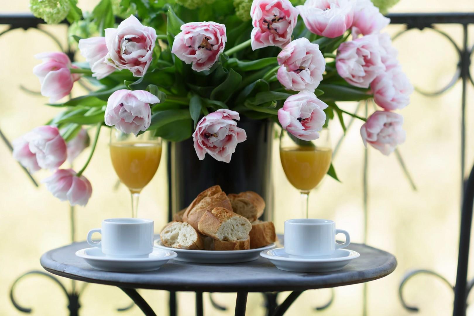 Treat yourself to Parisian breakfast on the balcony.