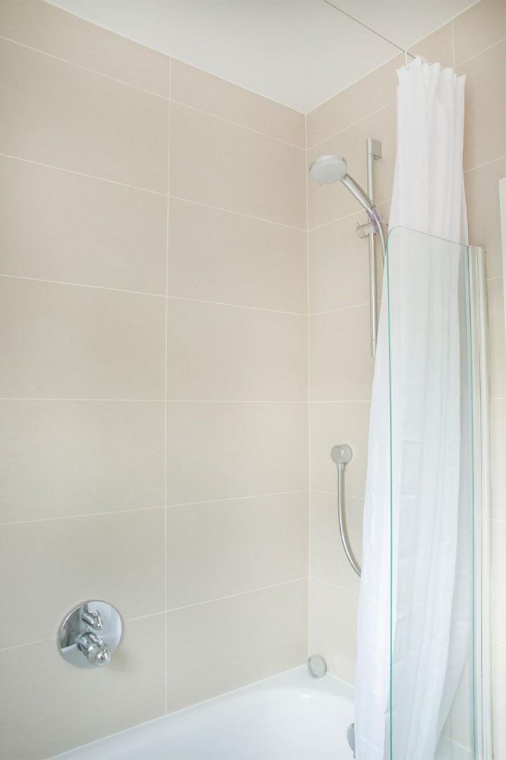 CMS-37-(Bath with shower fixture)-15717428-1509433721-Gordon-7058