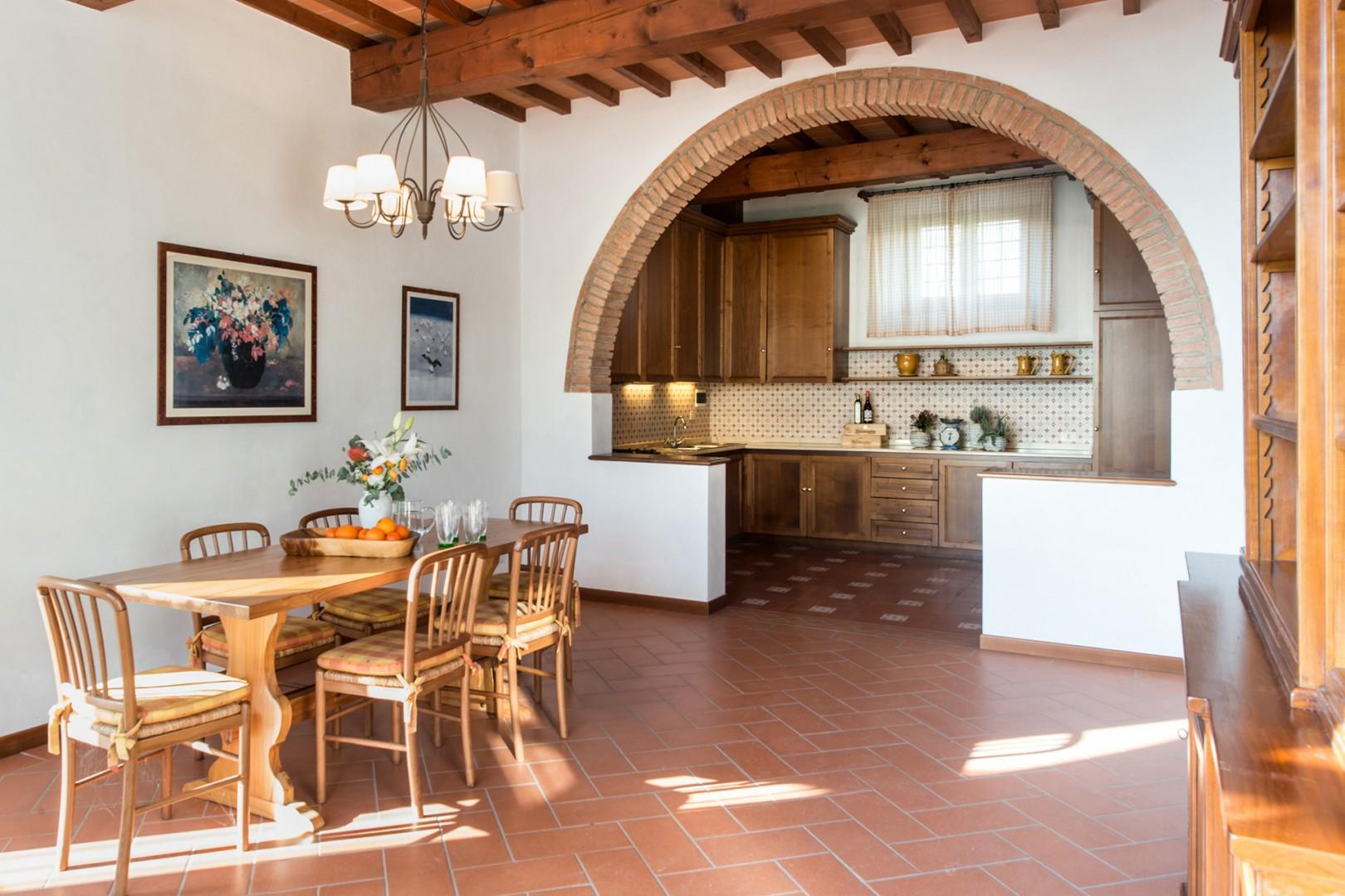 Cottage living and dining area with kitchen.