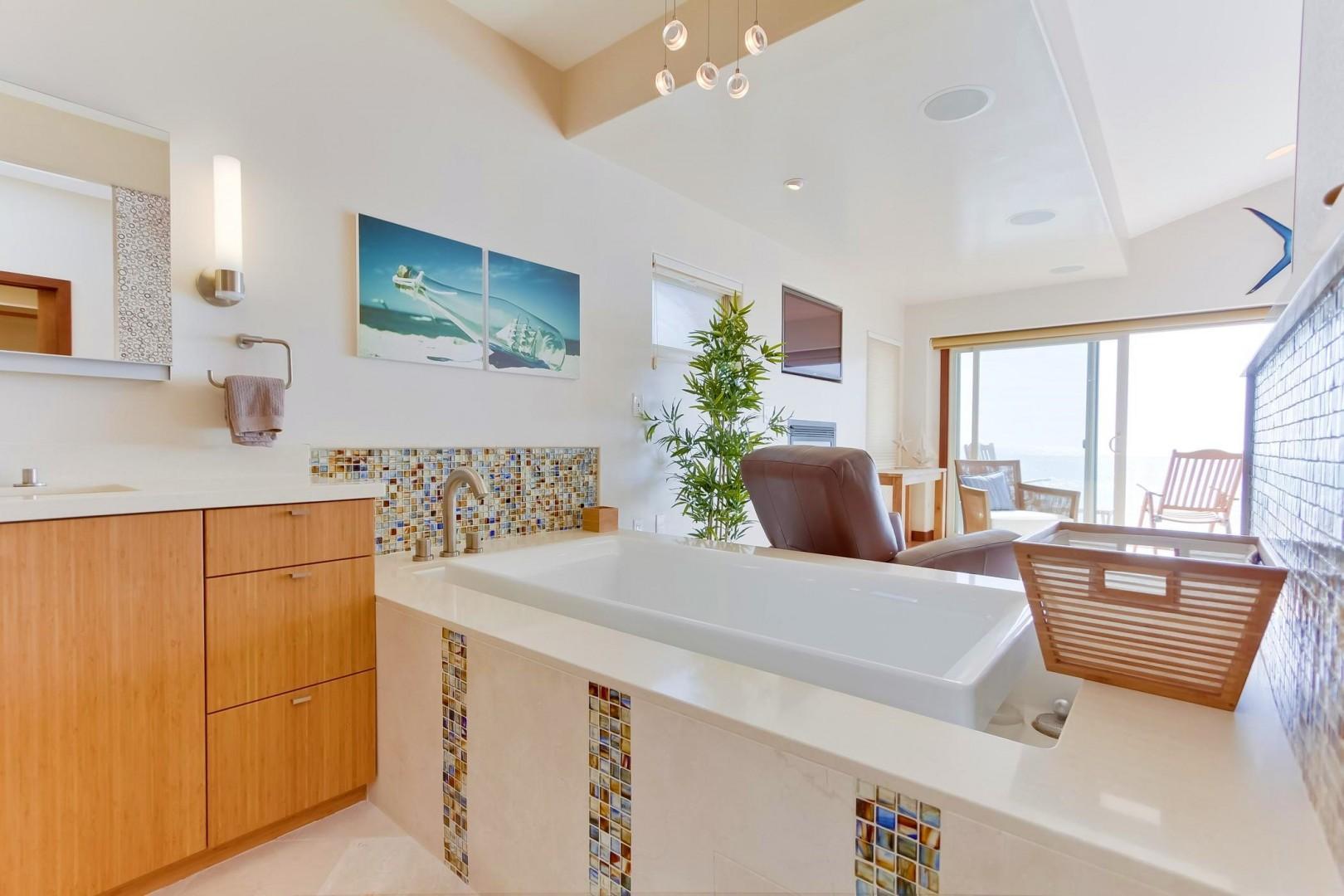 Master bath deep soaking tub