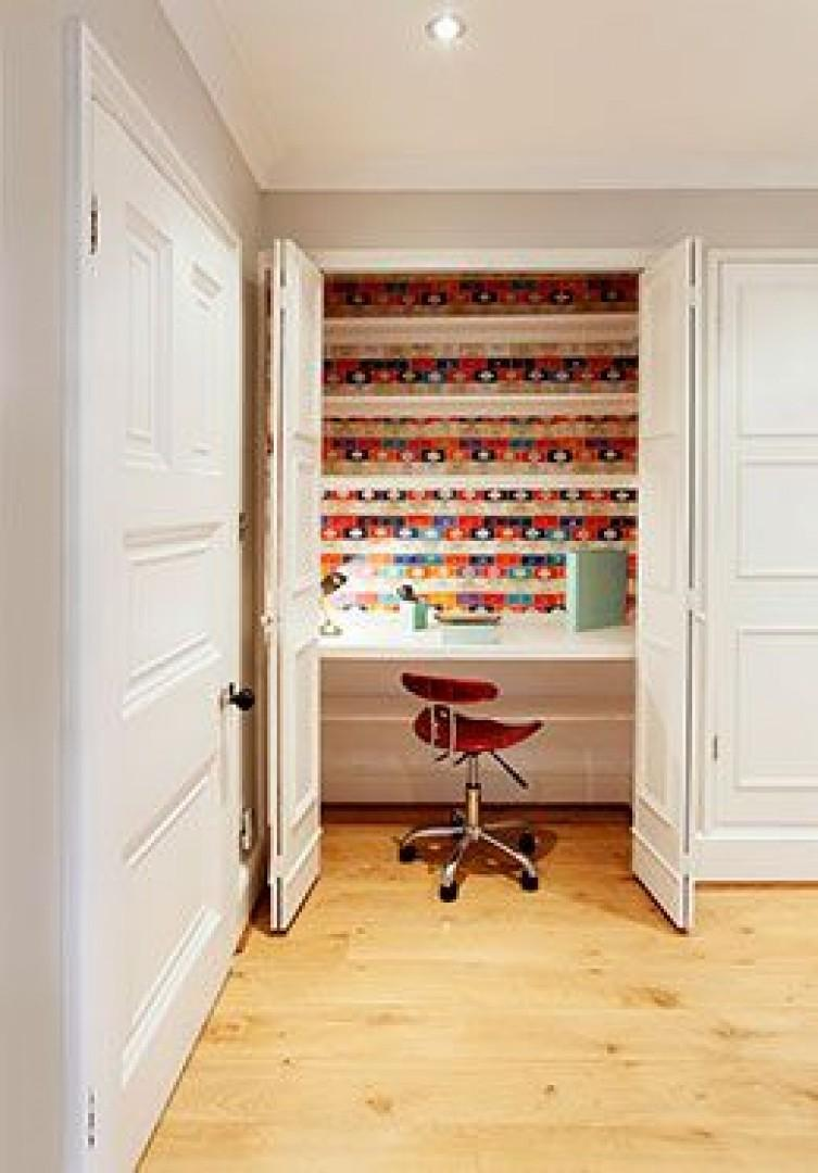 Cleverly concealed desk area in the entrance hallway