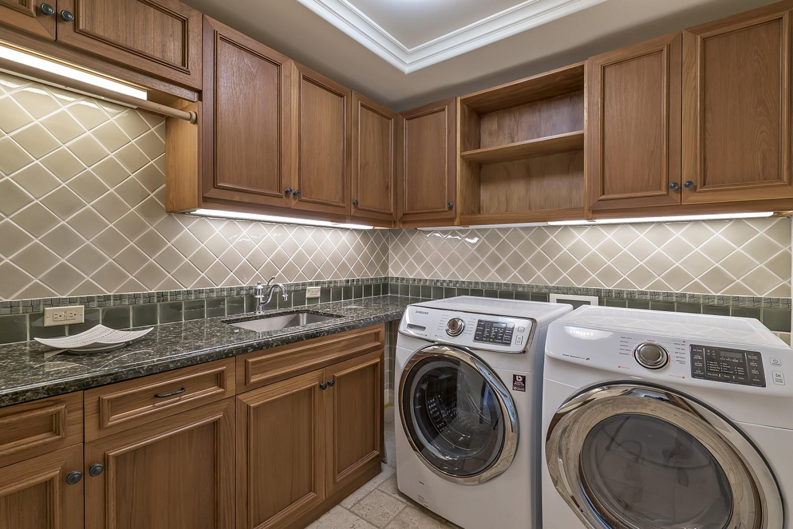 Guest house: Laundry room