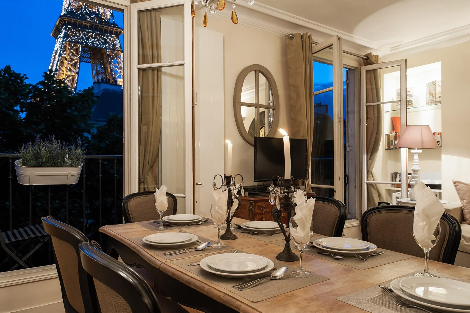 You can also enjoy dinner with a view every night!