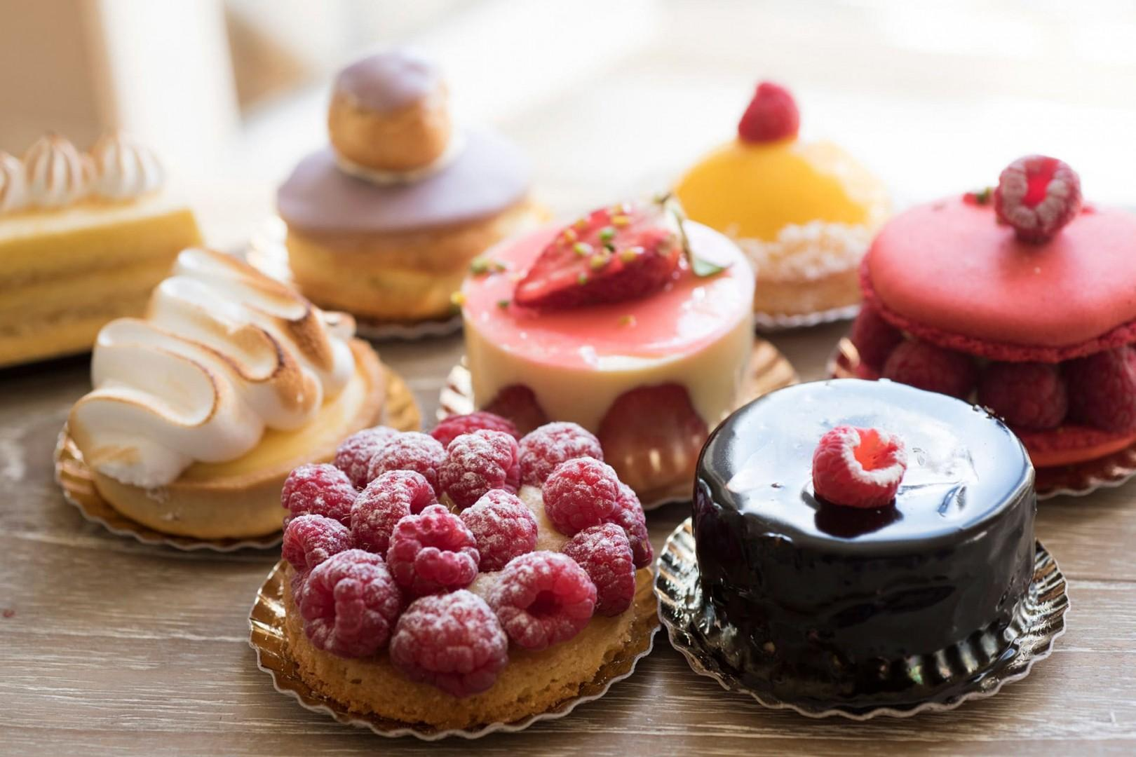 17-small-cake-collection