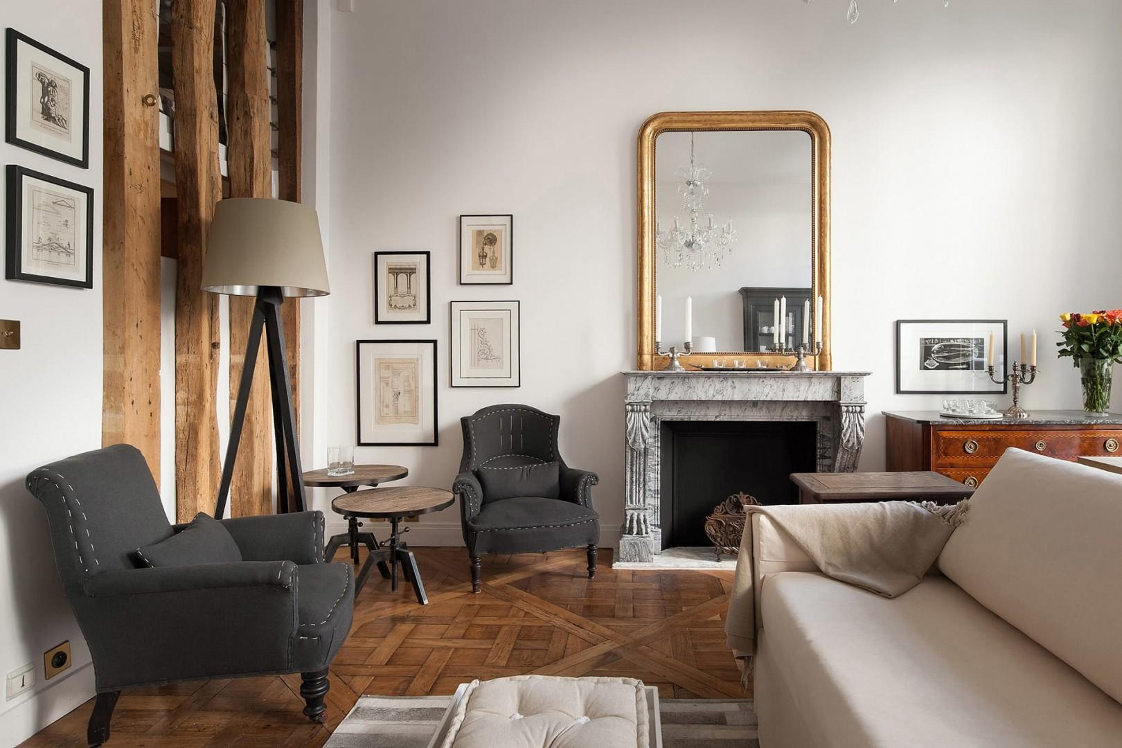 Vintage class and minimalism coincide in this stylish rental.