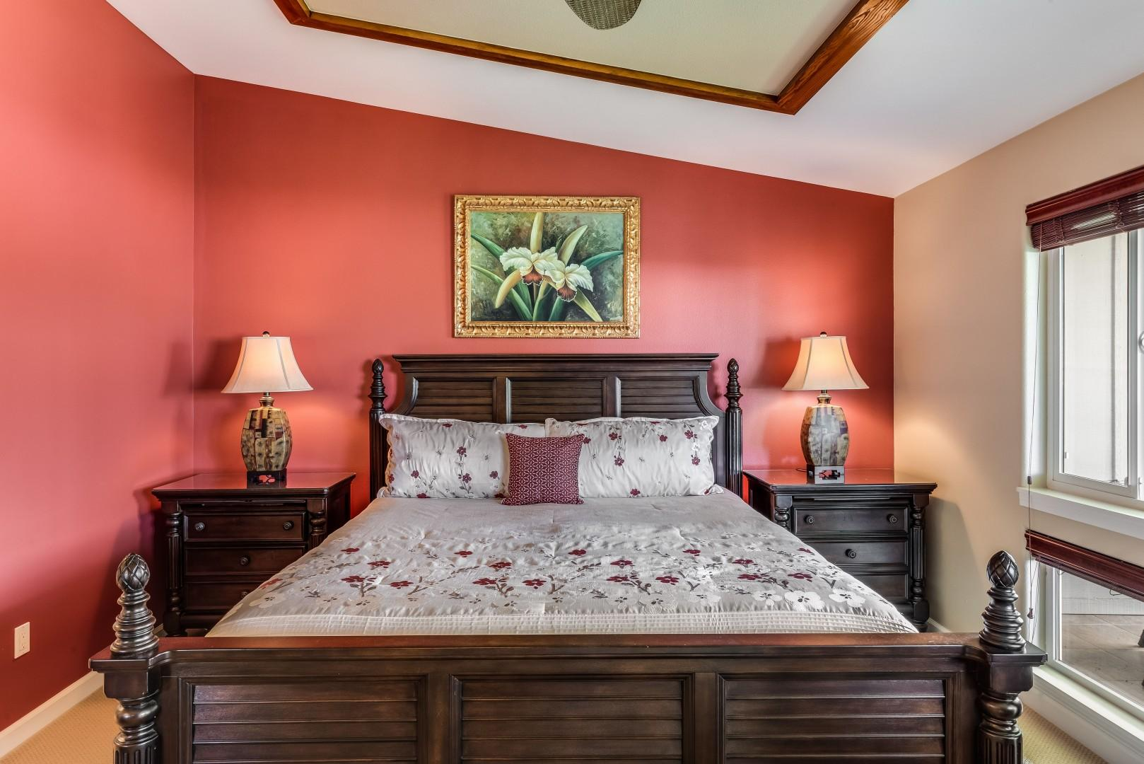 Master Bedroom w/ King Bed & Private Lanai w/ Views Over the Pool & Mountains