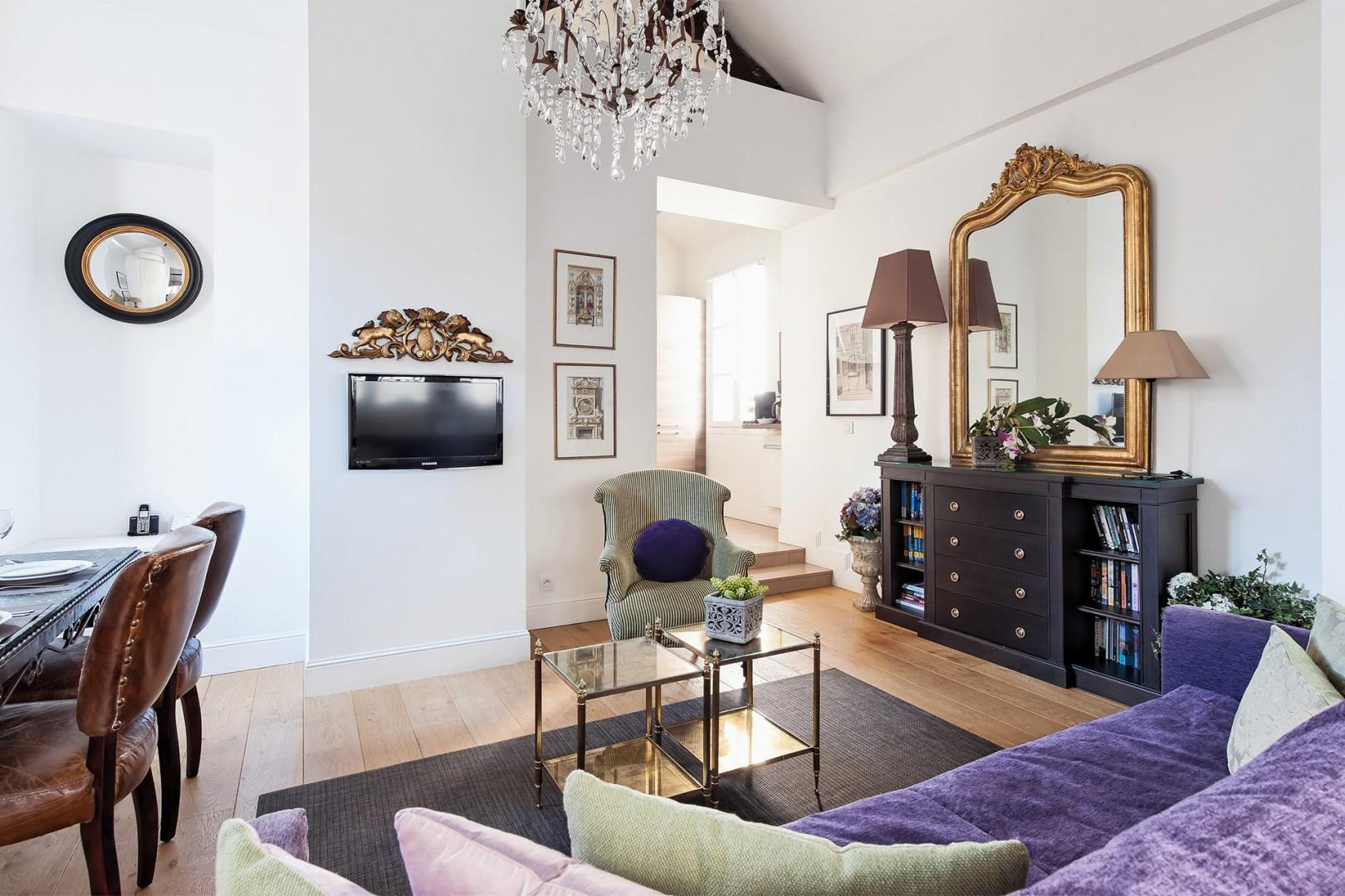 This designer-decorated apartment is full of dramatic touches.