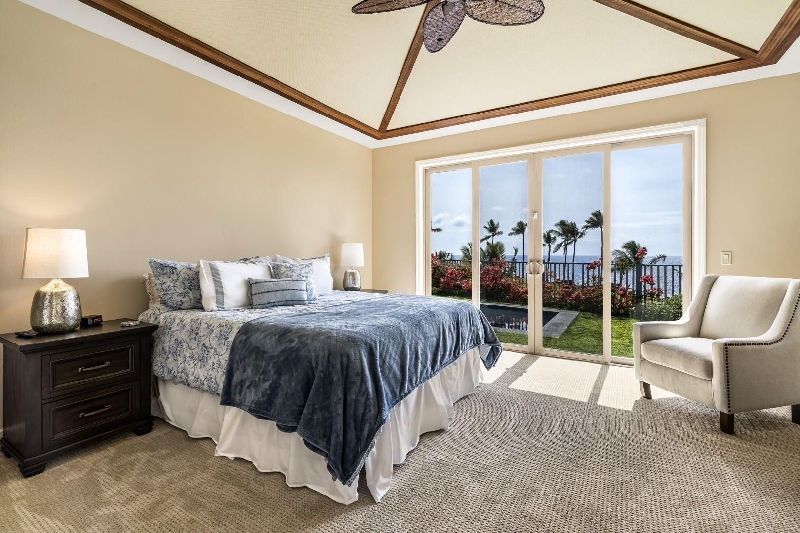 Master bedroom offering a King Bed, A/C, Lanai Access, TV and ensuite
