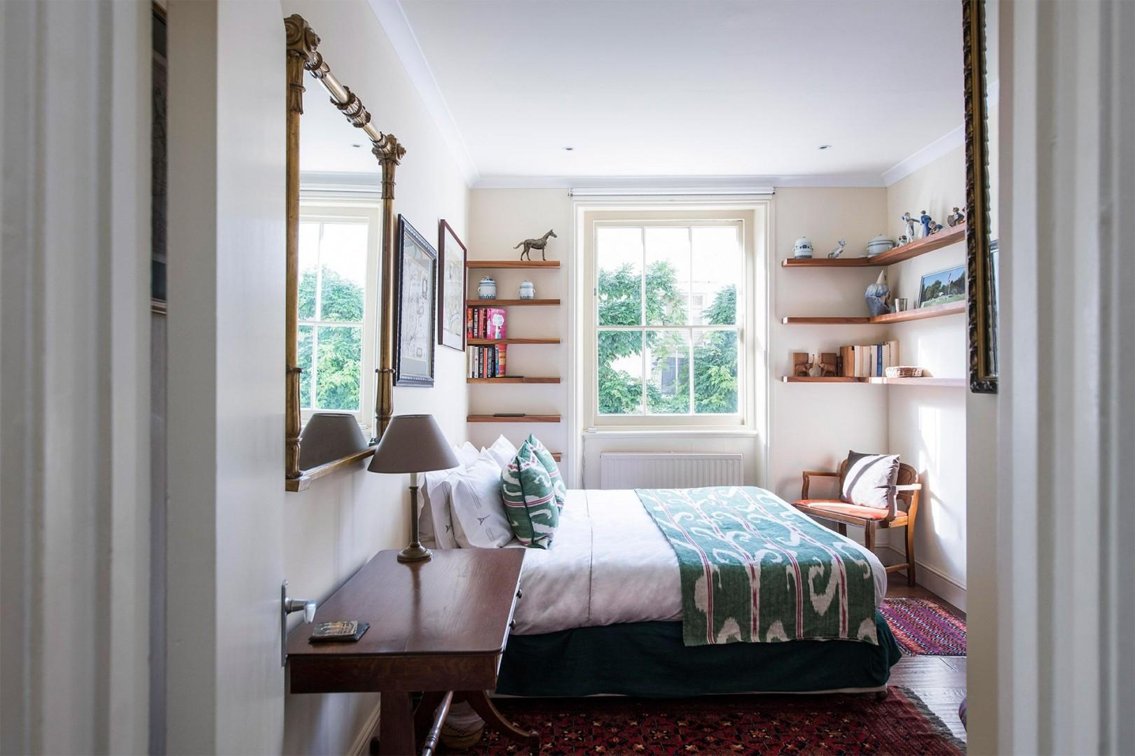 Second bedroom with a comfortable bed that can be separated to form two beds