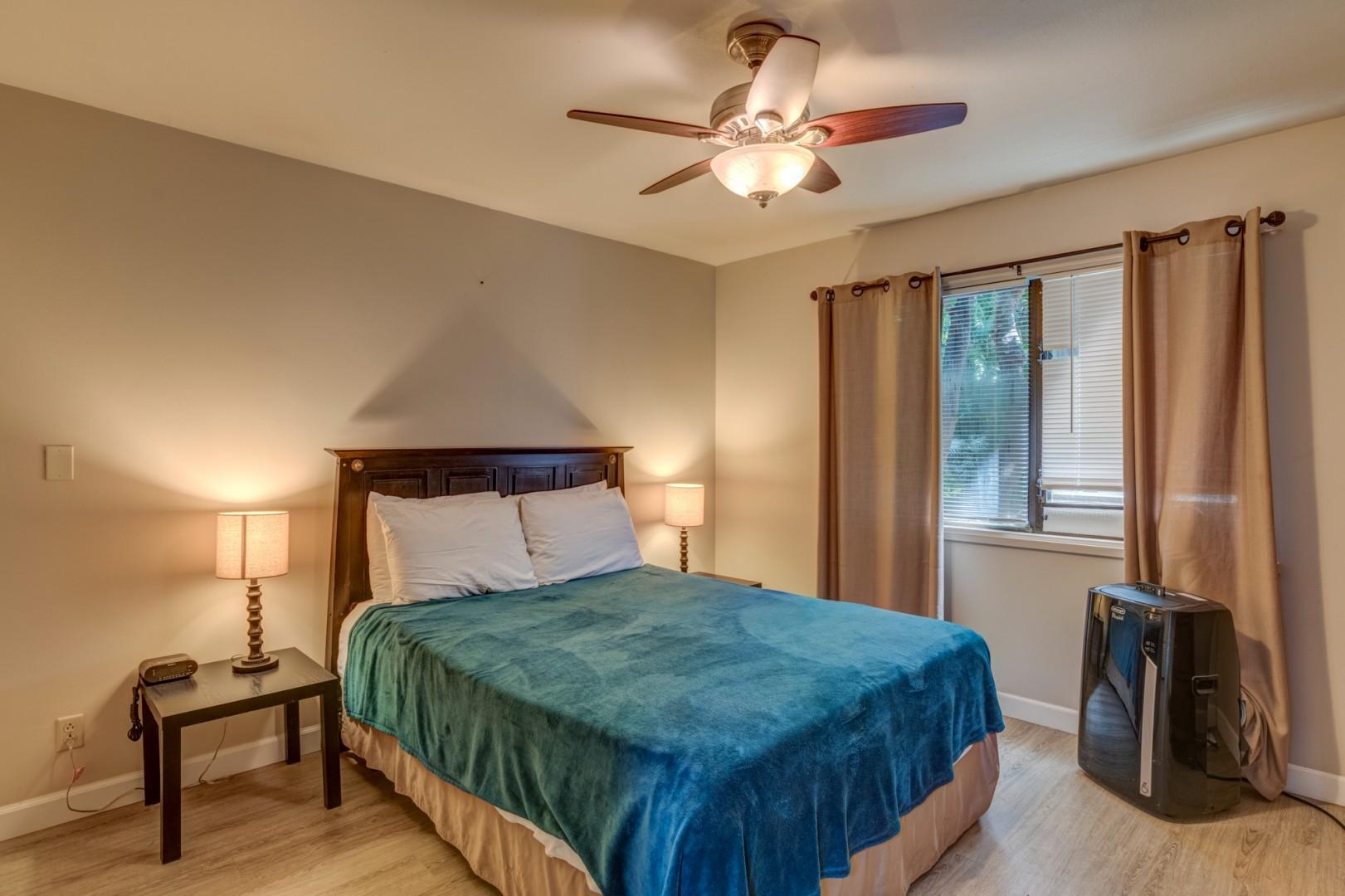 Queen size bed with portable AC