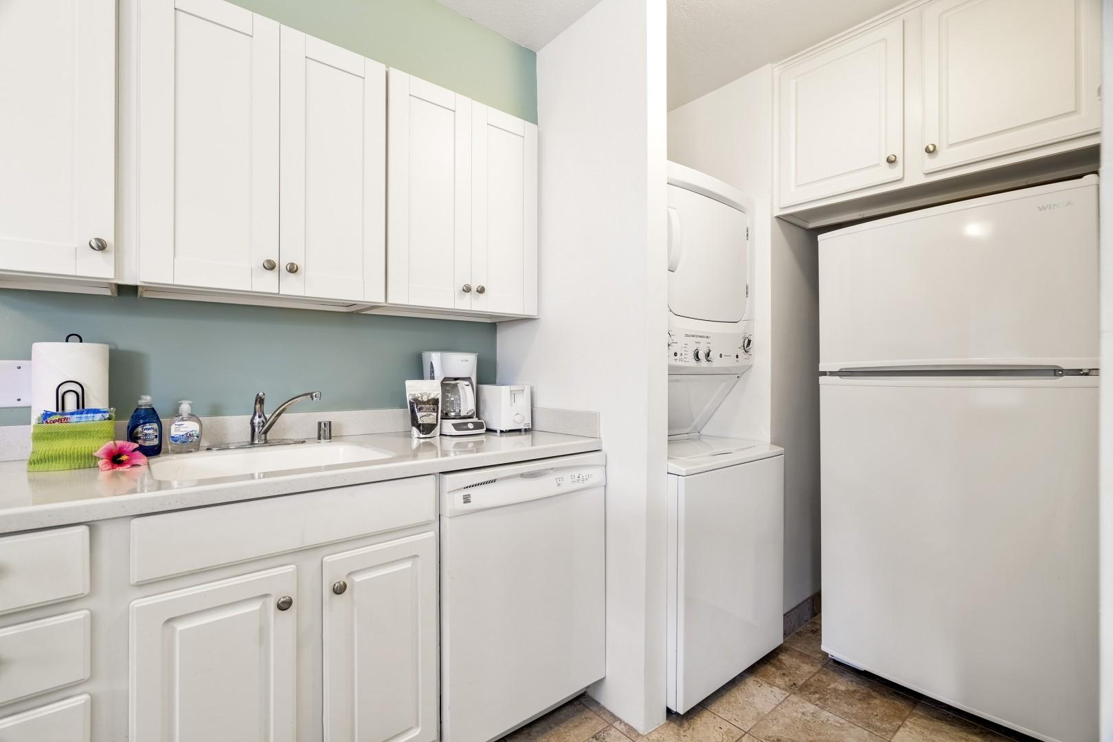 The unit is also equipped with a full sized washer/dryer!