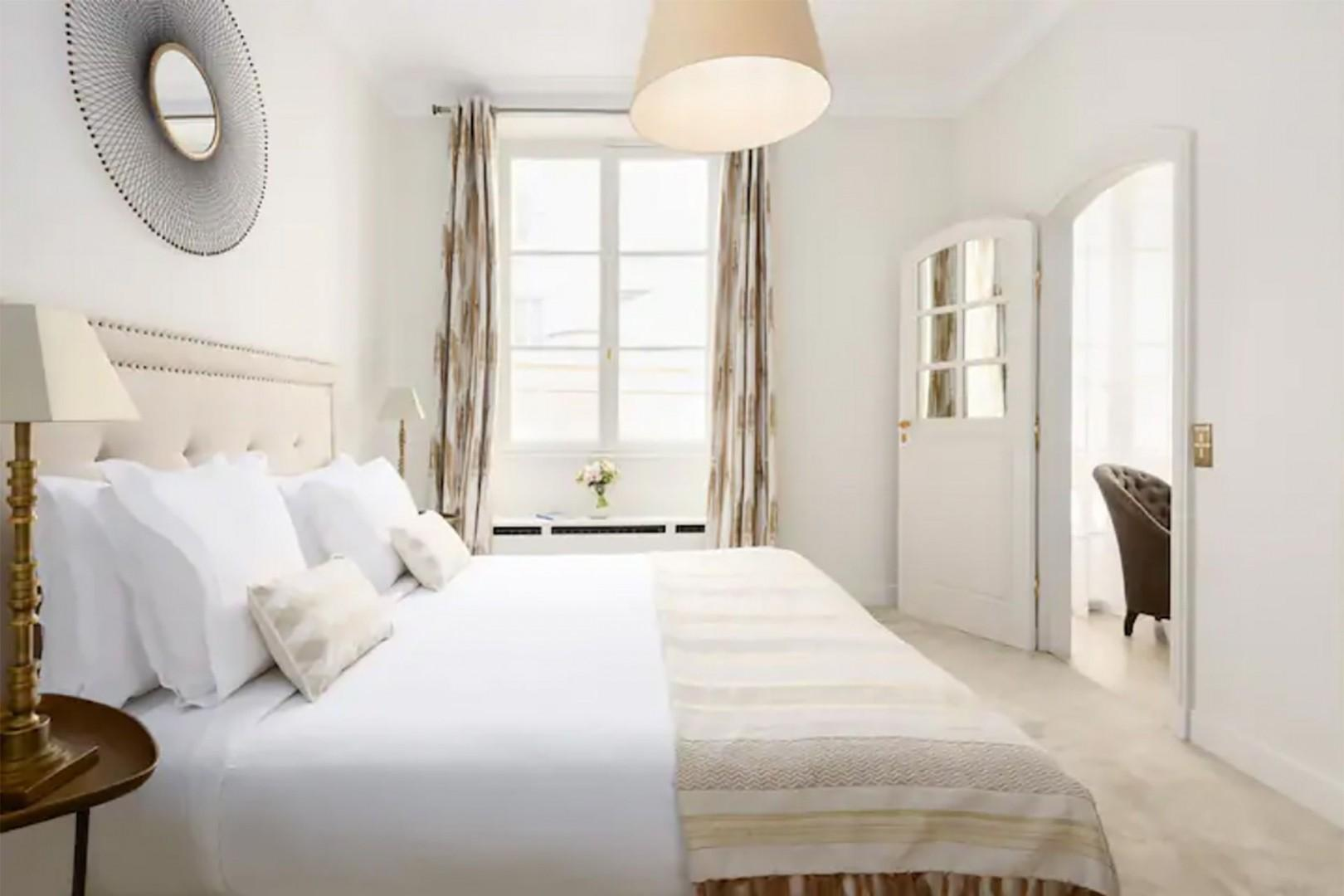 Bright and light Bedroom 4