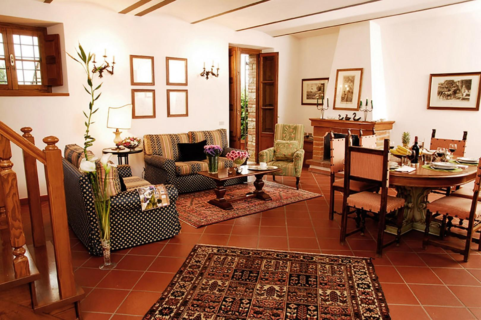 Large and comfortable living room in the Poggio apartment.