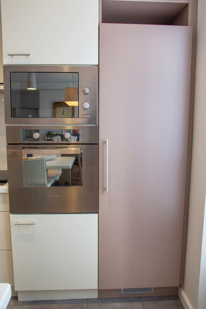 State-of-the-art microwave and oven set
