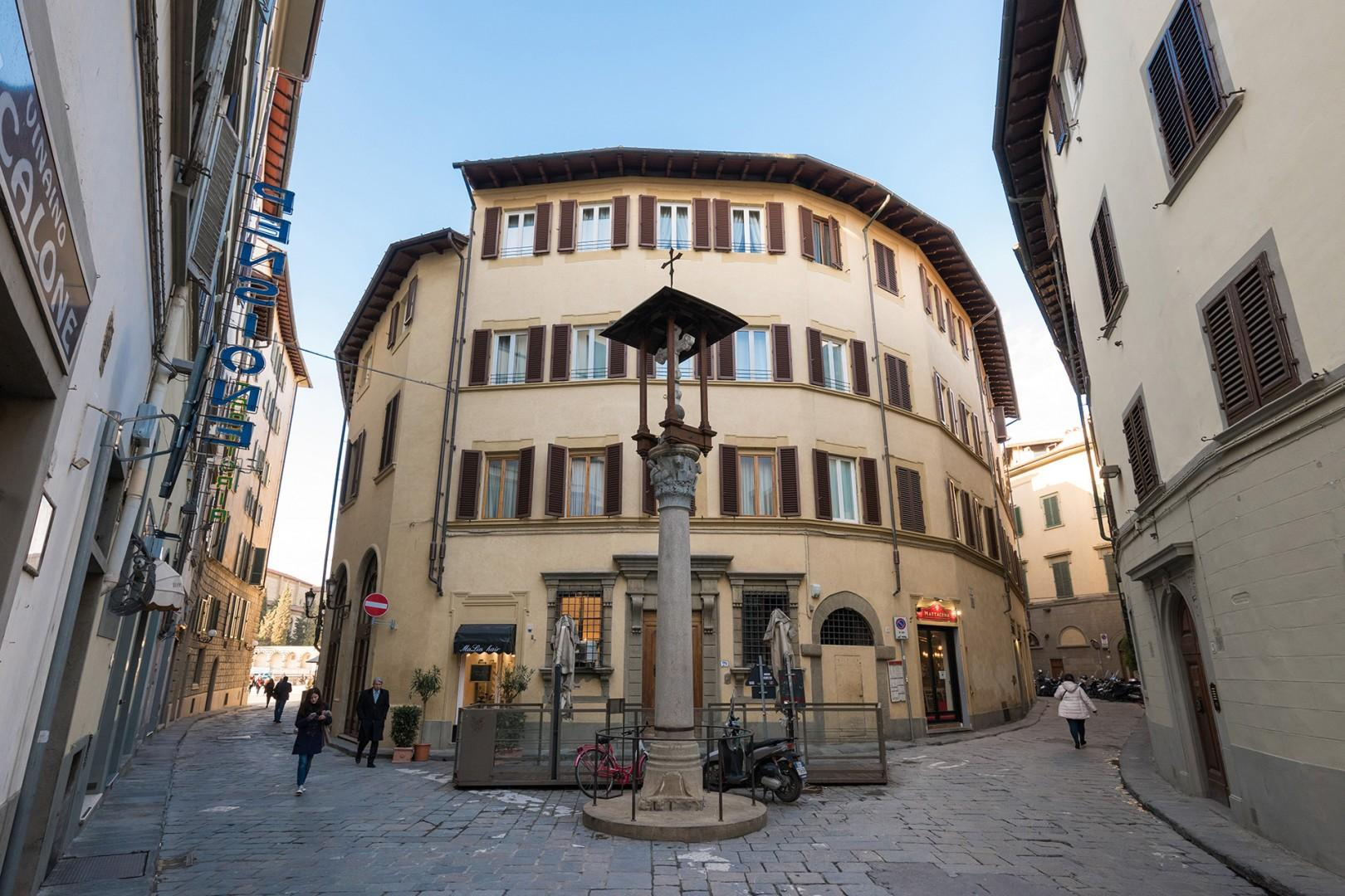 Charming piazza and memorial near Santa Maria Novella at the end of Via delle Belle Donne.