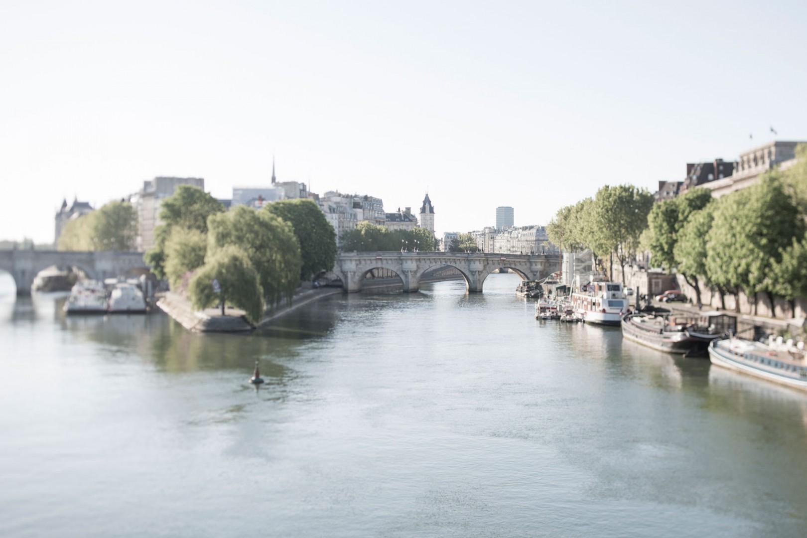 17-15-seine-day-paris-dreamy