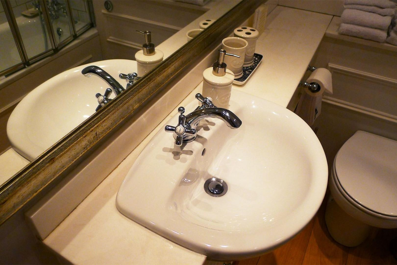 Fashionable fixtures and modern necessities