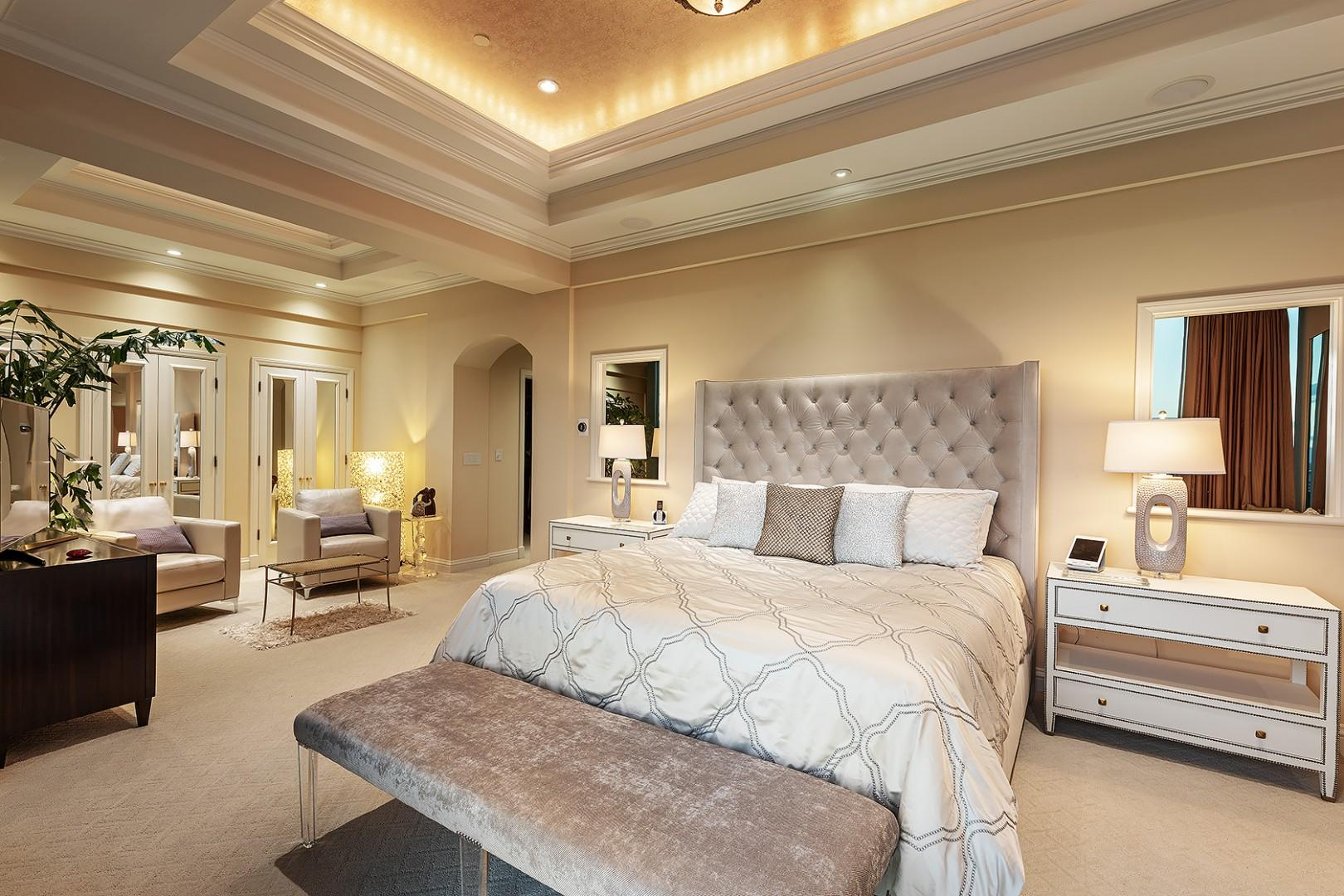Master Bedroom, King Size Bed and Ample Closet Space