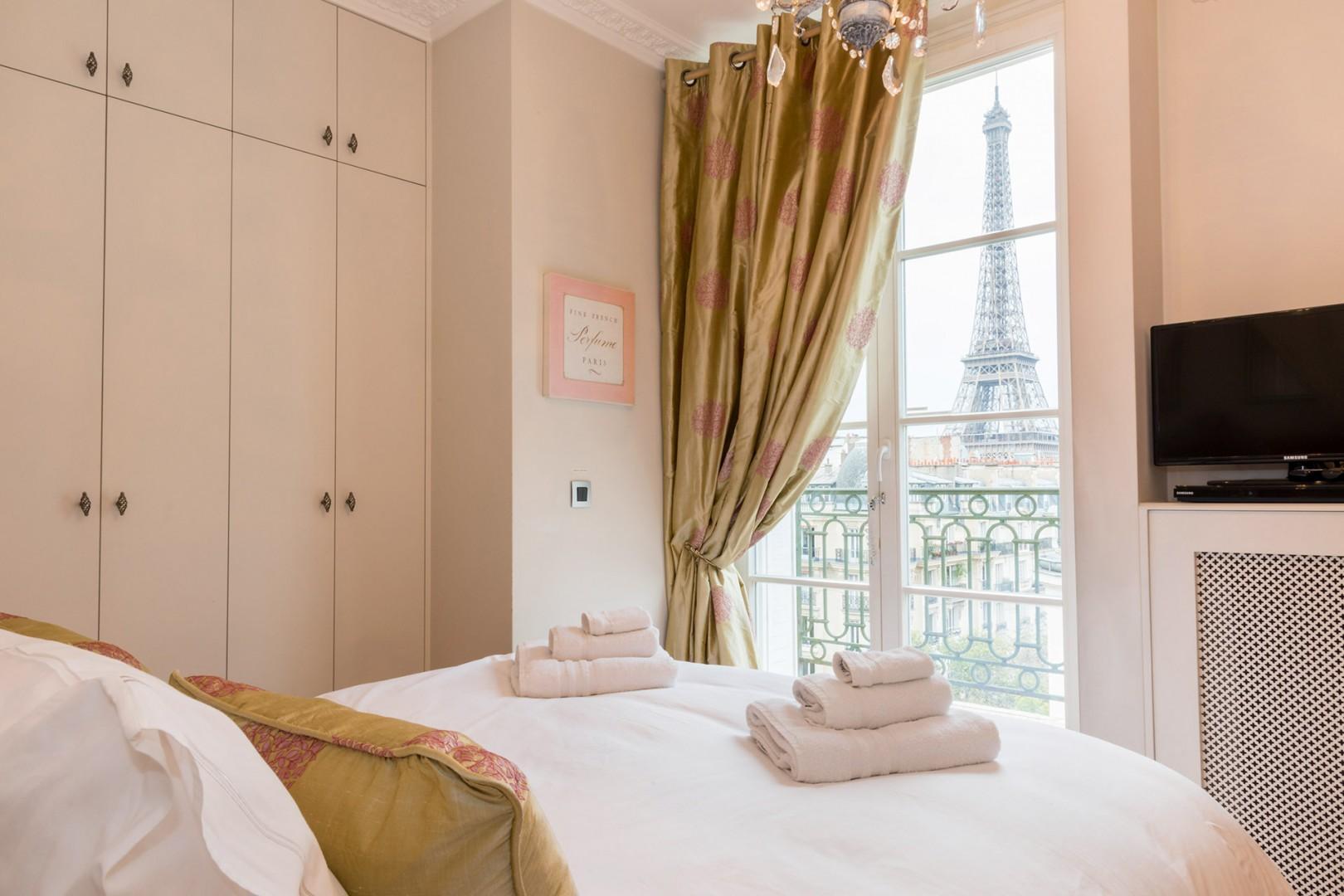 The most romantic bedroom in Paris!