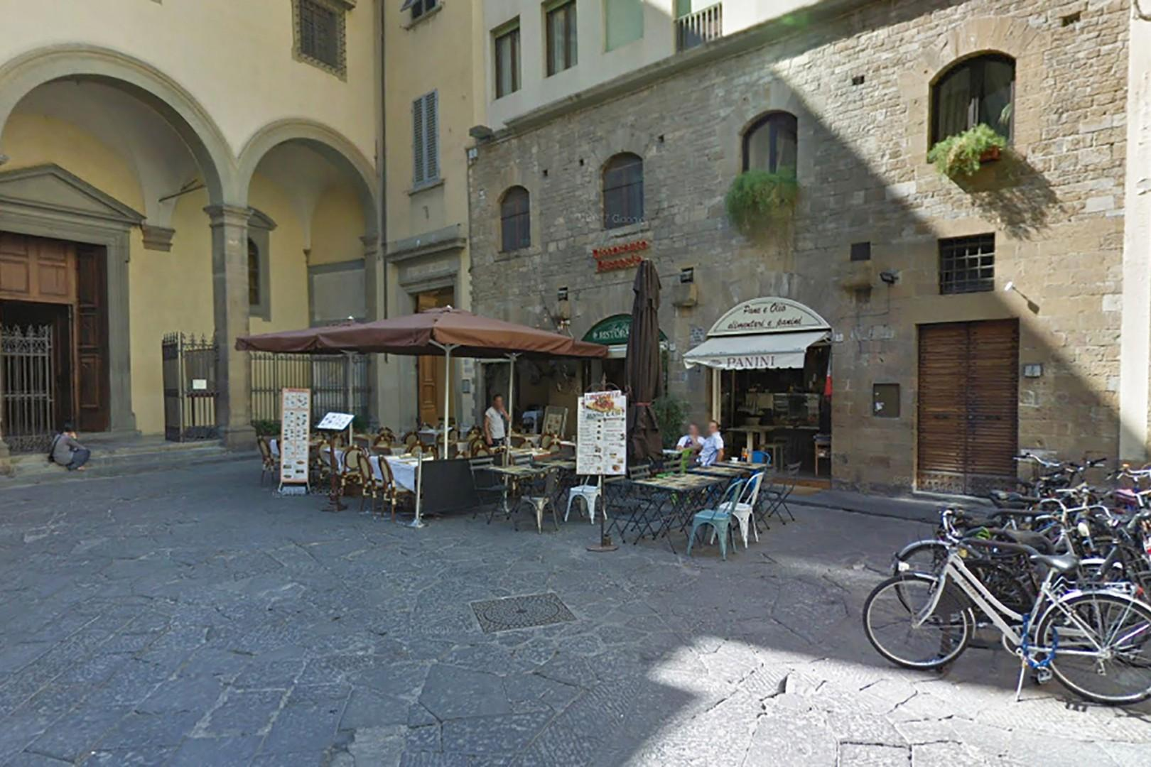 The charming little Piazza Santa Felicita where the apartment is located.