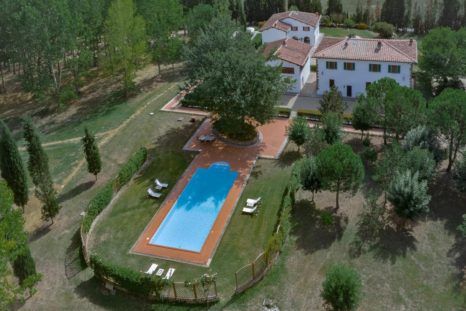 Aquila Villa + Cottage