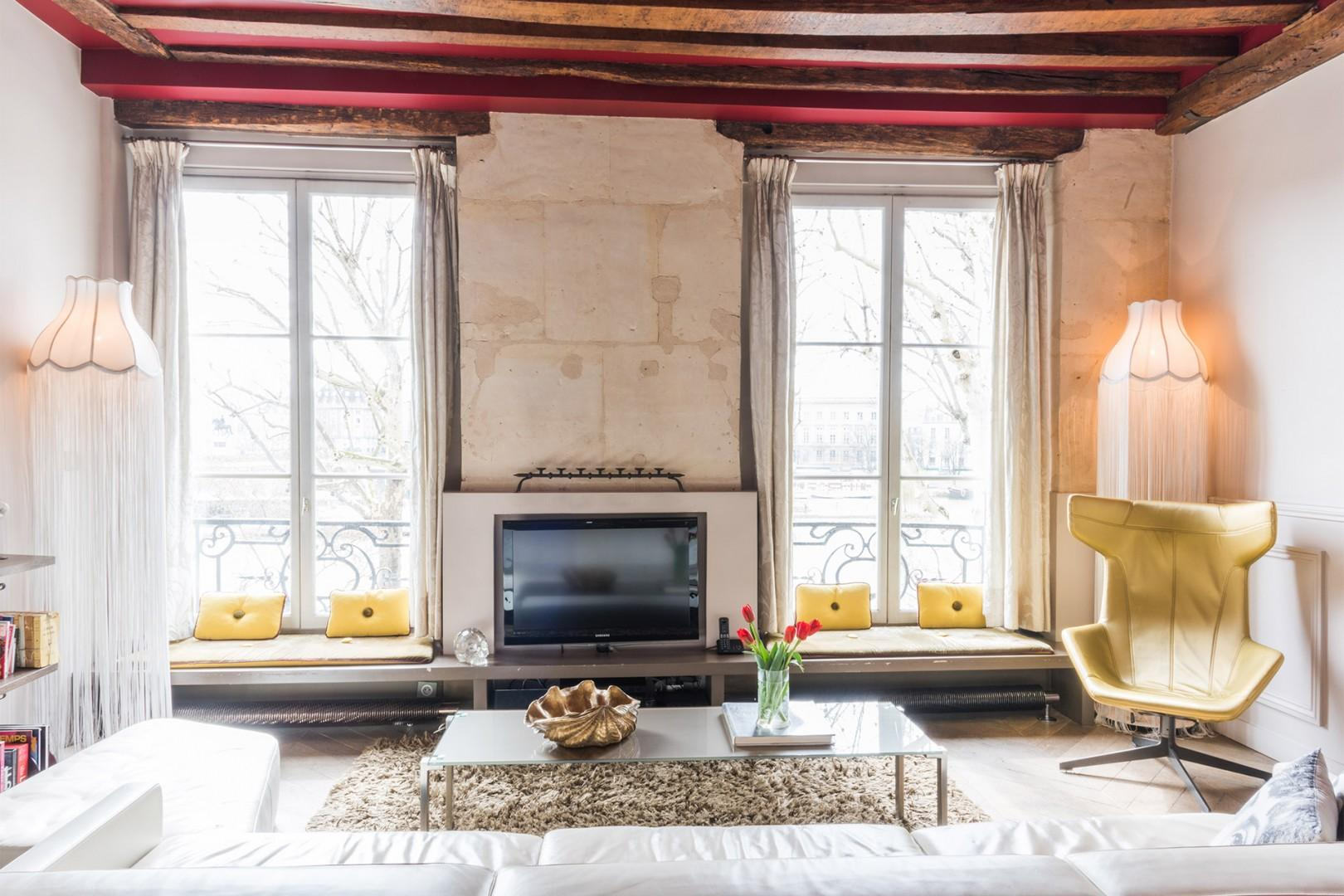 Welcome to the chic Ladoix vacation rental!