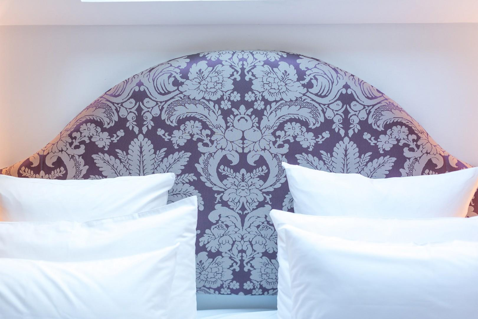 Get a good night's sleep in the regal bed!