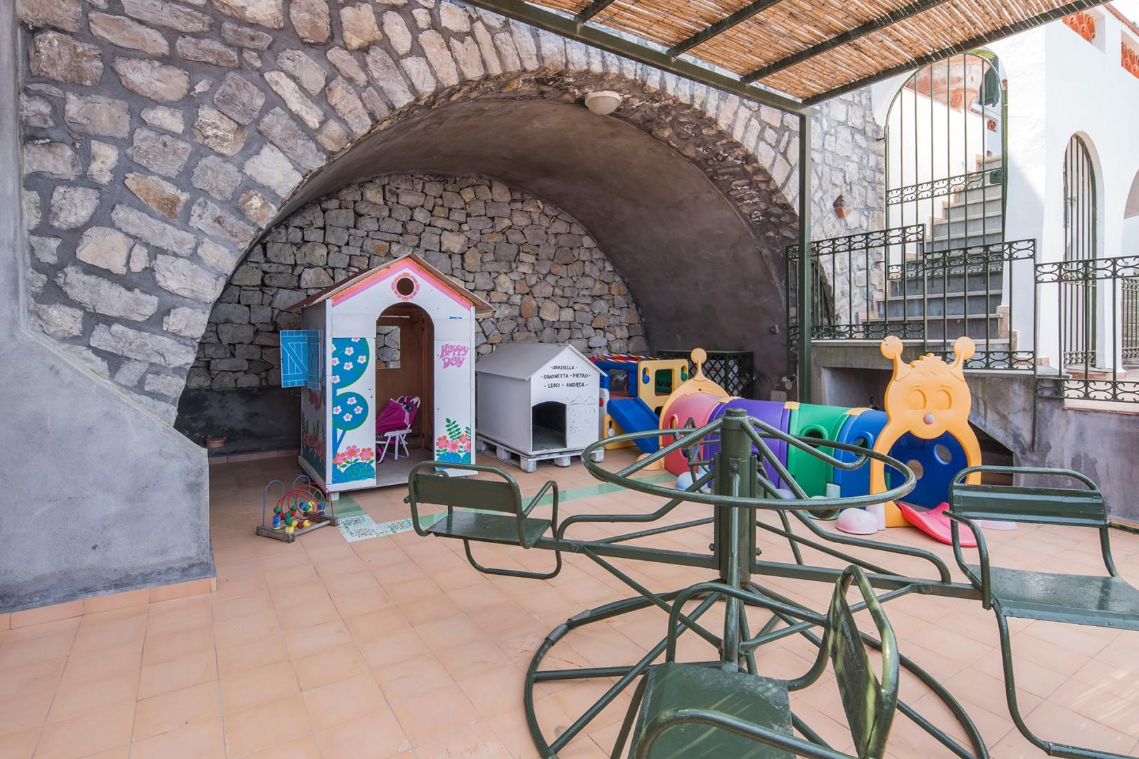 The terrace of the attached apartment is ready for children!