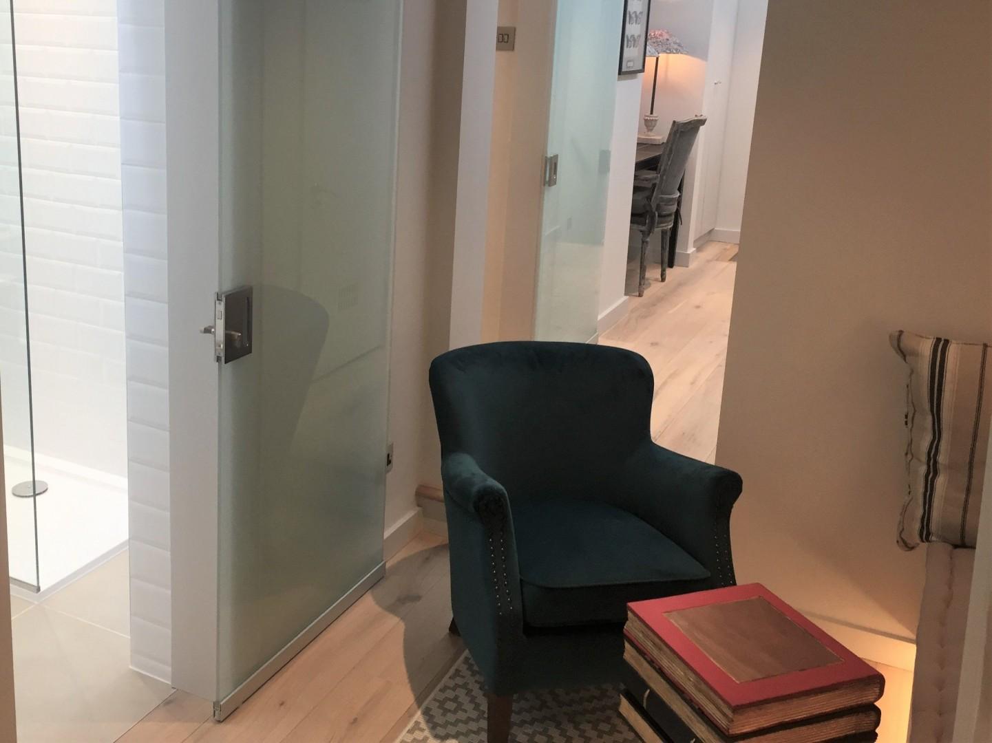 Cozy bathroom next to the sitting area