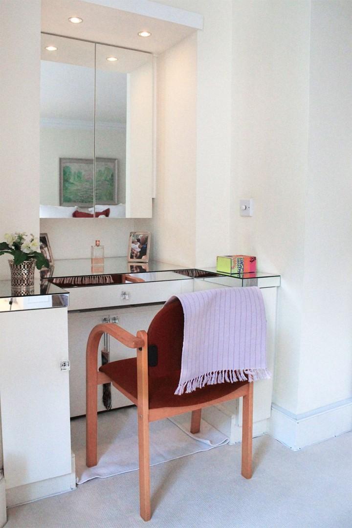 Elegant vanity table in bedroom 1