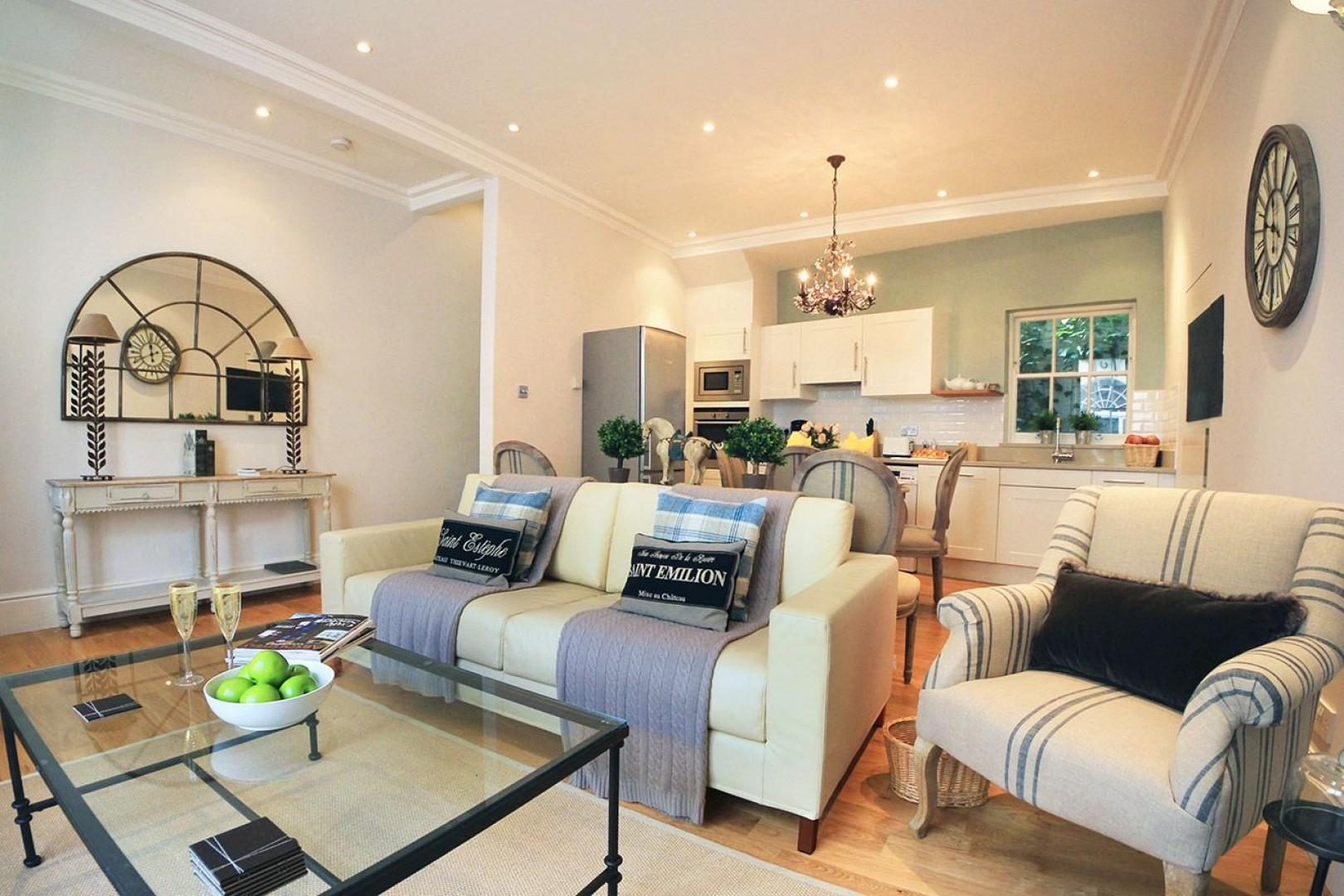 Comfy sofa that converts to a bed and a lovely sitting area in the Middleton living room