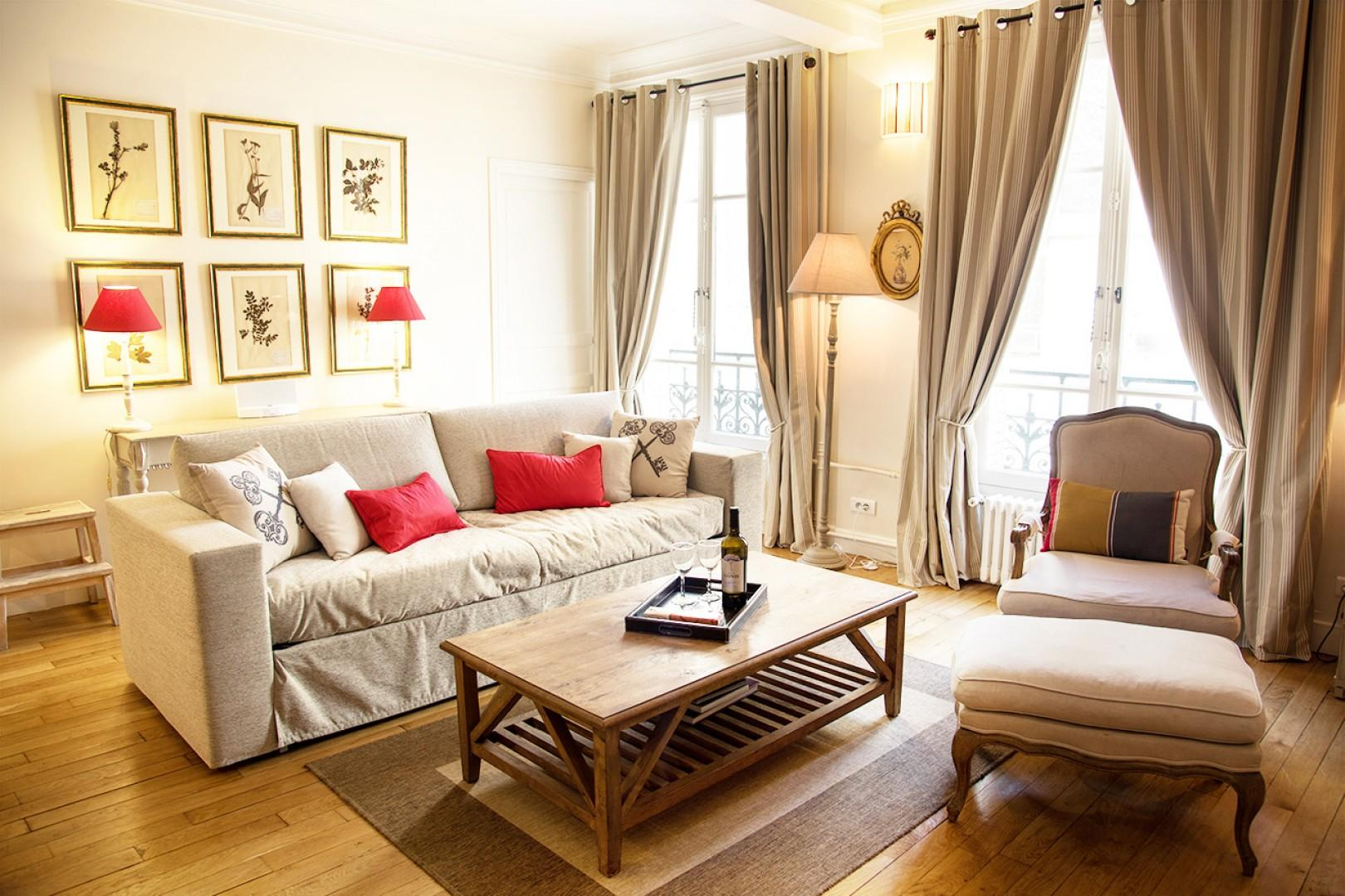 Welcome to the Rully rental with comfortable furnishings and refined décor.